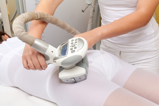 фото процедуры вакуумно-роликового массажа